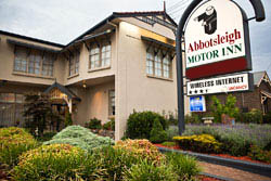 Armidale Accommodation - Abbotsleigh Motor Inn, 76 Barney Street Armidale, NSW 2350